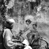 "Mural ""Dzieci na rowerze"", George Town, Penang, Malezja"